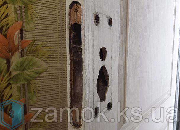Замена замка на межкомнатной двери