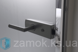 Замена замка на стеклянной двери